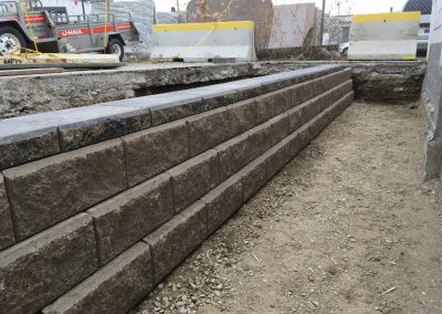 retaining wall build